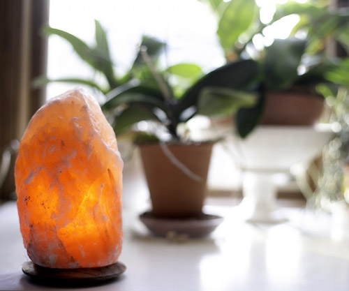 himalayan salt lamp by so well